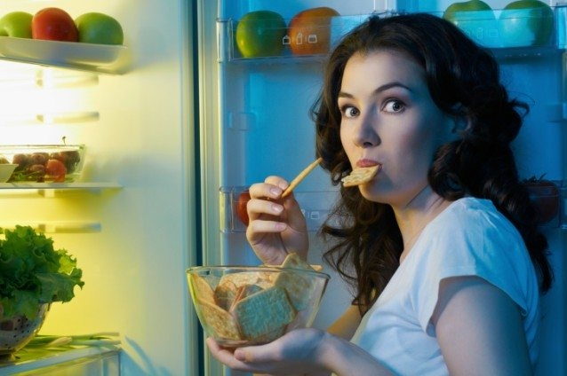 how to beat night time food cravings